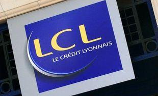 L'enseigne du Crédit Lyonnais (LCL). Photo prise le 10 mars 2008.