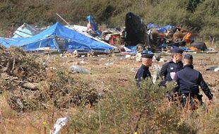 Les logements de fortune de la «jungle de Calais» ont été détruits après l'évacuation par les forces de l'ordre mardi 22 septembre 2009.