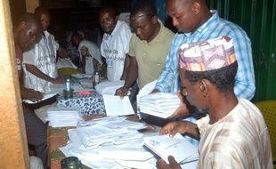 Le comptage de voix se poursuivait dimanche en Guinée au lendemain d'élections législatives qui se sont déroulées dans le calme et ont mobilisé les électeurs en dépit de craintes de violences.