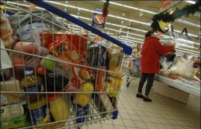 Les consommateurs font de plus en plus leurs achats alimentaires en fonction du prix et sont plus nombreux à aller dans les magasins de hard discount, selon le baromètre annuel de l'alimentation du Credoc, réalisé pour le ministère de l'Agriculture.