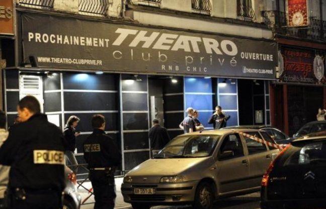 L'auteur présumé des coups de feu devant une discothèque de Lille, qui ont fait deux morts et six blessés le 1er juillet, a accepté son extradition d'Espagne, où il avait été arrêté vendredi matin, tout comme l'homme qui l'avait accompagné, a-t-on appris lundi de source judiciaire.