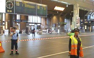 La gare centrale d'Oslo, en Norvège, a été évacuée tôt mercredi 27 juillet 2011.