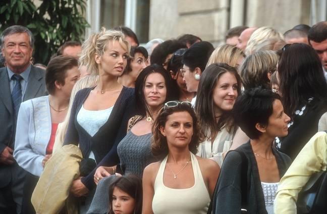 Les femmes des joueurs français en 1998 à L'Elysée. .