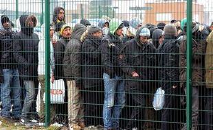 """La France """"n'est plus un très grand pays d'immigration"""", estime le gouvernement dans un rapport publié mardi, en amont d'un débat au Parlement qui vise à """"sortir des fantasmes"""" sur les flux migratoires."""