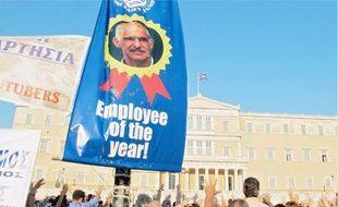 La manifestation devant le Parlement grec, mardi à Athènes, a fini par dégénérer dans la nuit.