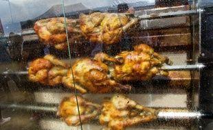 Acheter un poulet rôti pour aider les étudiants, c'est ce que propose un resto bordelais.