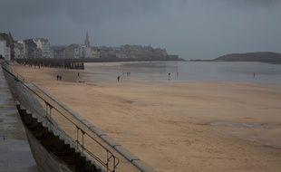 Saint-Malo pendant la grande marée du 20 février 2015.