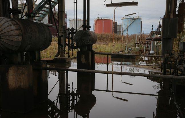 Strasbourg le 04 novembre 2014. L'une des plus grosses friches industrielles d'Alsace, la raffinerie de Reichstett, pollue et désaffecte, va etre reconvertie en zone d'activités économiques