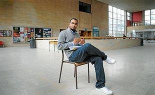Mouctar Bah, hier au Patio, ignore s'il pourra travailler en France après la fin de ses études.