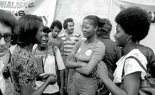 Manifestation DOM-TOM (Antillais) à Paris - employés des PTT (Postes) - 1973