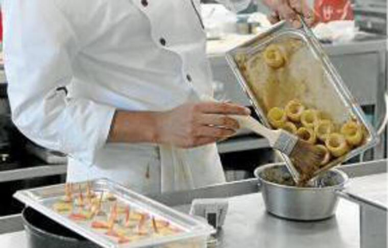 Plus d'emplois dans les restaurants.