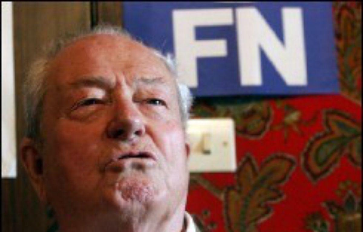 Le président du Front national Jean-Marie Le Pen a suspendu cette semaine de ses fonctions Christian Baeckeroot, membre du bureau politique et farouche opposant de Marine Le Pen, a-t-on appris jeudi de sources concordantes. – François Lo Presti AFP/Archives