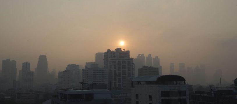 Un nuage de pollution s'abat depuis plusieurs semaines sur Bangkok.