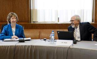 La chef de la diplomatie européenne Catherine Ashton et le ministre iranien des Affaires étrangères Mohammad Javad Zarif, le 15 octobre 2013 à Genève