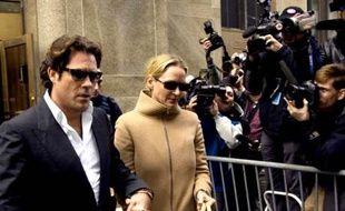 Uma Thurman à la sortie du tribunal, le 6 mai 2008
