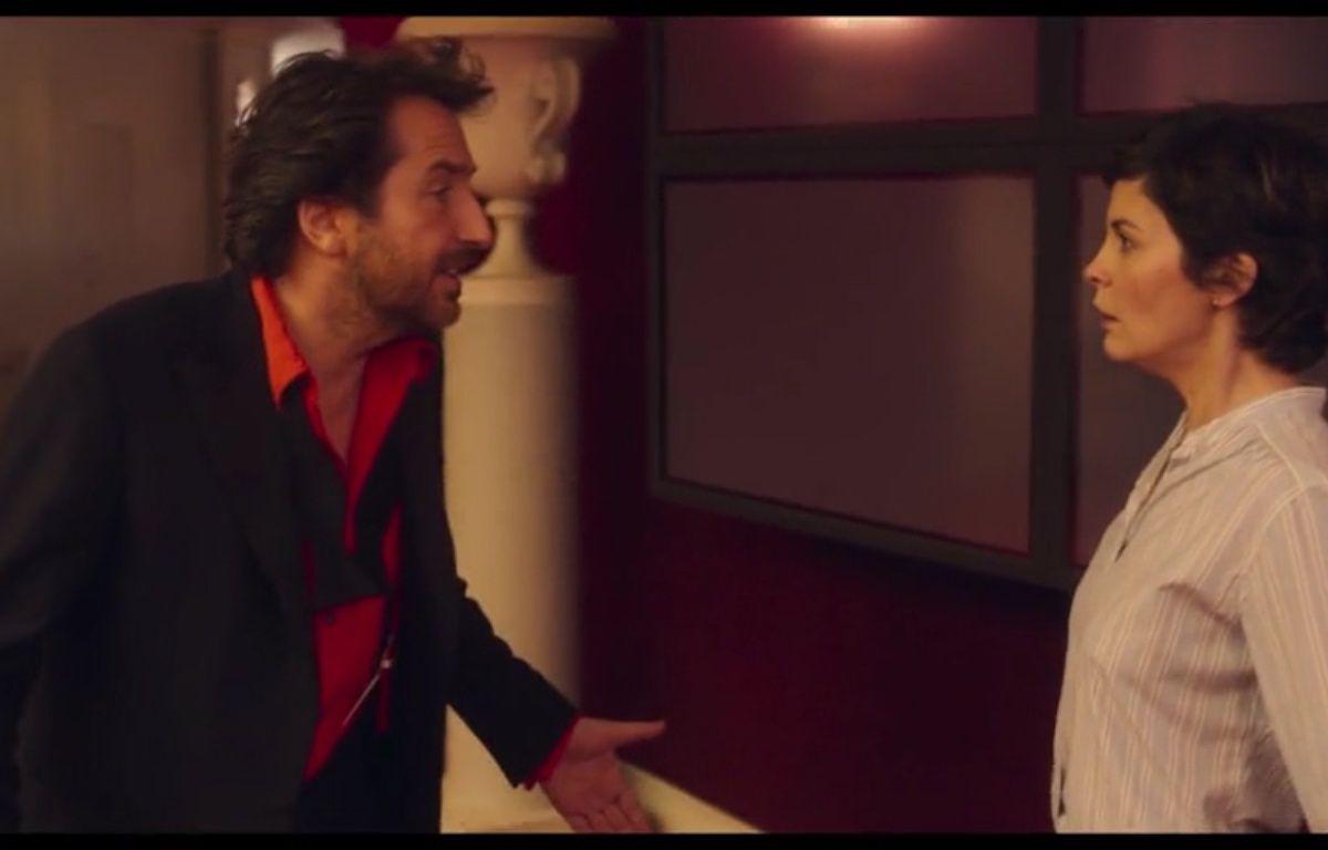 Edouard Baer et Audrey Tautou dans le film  «ouvert la nuit» – capture d'écran