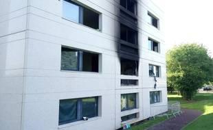 L'incendie s'est déclaré dans la nuit de lundi à mardi dans une résidence étudiante du campus Supelec à Rennes.
