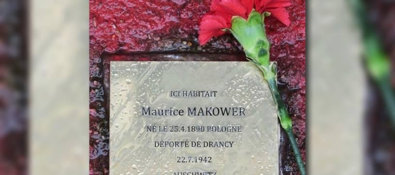 Un pavé à la mémoire d'un déporté des camps nazis scellé en 2018 à Fontenay-sous-Bois.
