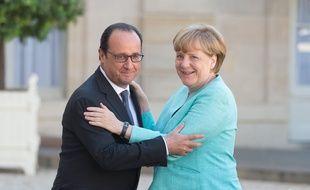 François Hollande accueille Angela Merkel à l'Elysée (Paris), le 6 juillet 2015.