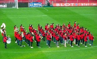 La classe orchestre du collège Sainte-Marie de Fougères, avant le Rennes-Monaco du 24 avril 2016.