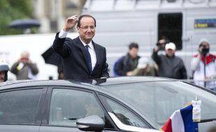 François Hollande sur les Champs Elysées le jour de son investiture le 15 mai 2012 à Paris