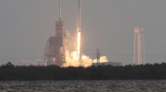 La société américaine SpaceX lors du lancement de sa fusée Falcon 9, le 1er mai 2017 à Cap Canaveral, en Floride.   – Joe Raedle/Getty Images/AFP