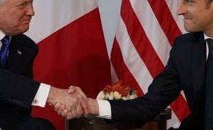Poignée de main musclée entre Donald Trump et Emmanuel Macron, le 25 mai 2017, en marge du sommet de l'Otan, à Bruxelles.