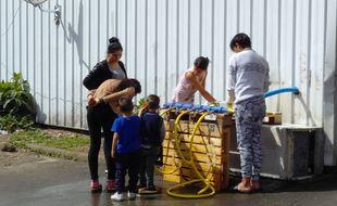 Une installation réalisée par Dynam'eau dans un squat de Bègles sur lequel elle intervient encore.