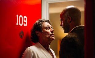 Ian McShane et Ricky Whittle dans la série « American Gods ».
