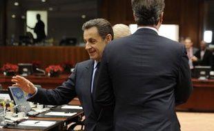 D'une poignée de main Sarkozy-Cameron esquivée à Bruxelles aux appels de Paris à la dégradation de la note financière de Londres, la relation privilégiée franco-britannique apparaissait de plus en plus vendredi comme une victime collatérale de la crise en zone euro