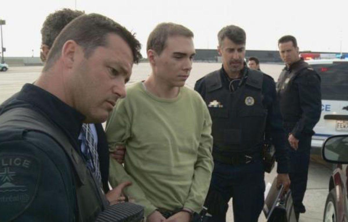 Le Canadien Luka Rocco Magnotta, auteur présumé du meurtre et du dépeçage du corps d'un étudiant chinois, est arrivé lundi soir à Montréal à bord d'un avion militaire en provenance d'Allemagne, d'où il a été extradé, et comparaîtra dès mardi devant la justice. – - afp.com