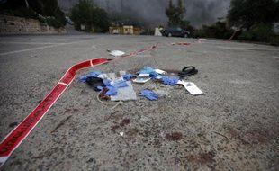 Du matériel medical éparpillé par terre le 23 juin 2015 dans la colonie israélienne de Neve Ativ, près du village druze de Majdal Shams, dans le Golan, où deux blessés syriens ont eté lynchéspar des membres de cette communauté