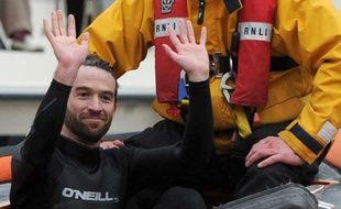 Le nageur qui avait perturbé la course d'aviron Oxford-Cambridge, le 7 avril 2012, a été sommé de quitter le Royaume-Uni, le 25 juin 2013