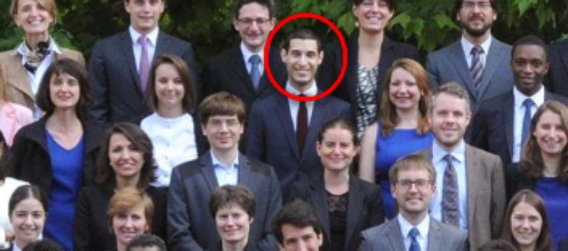 """Rayan Nezzar avec les diplômés de la promotion """"Winston Churchill"""" de l'ENA."""