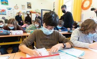 Faut-il vacciner en priorité les enseignants pour les protéger contre le coronavirus ?