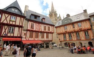 Comme toutes les villes du littoral breton, Vannes est très demandée et a vu le prix de ses biens immobiliers grimper en flèche.
