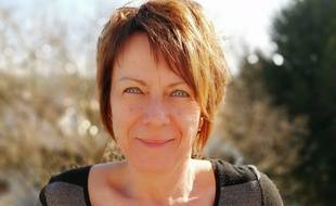 Brigitte Pretet a imaginé et commercialisé un badge pour les célibataires.