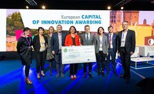 La délégation nantaise a reçu un chèque d'un million d'euros en récompense du prix.