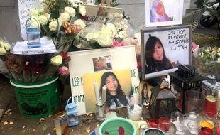 Dans la rue Perle, devant l'immeuble où vivait le principal suspect dans la disparition de Sophie Le Tan.