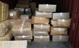 De la résine de cannabis saisie par les douanes (image d'illustration).