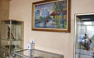 Plusieurs lots d'objets provenant de la Banque Publique des Solidarités-Crédit Municipal seront mis en vente