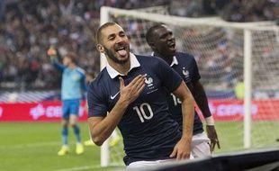 Karim Benzema célèbre un but (refusé) dans le match France Espagne du 4 septembre 2014 au Stade de France.