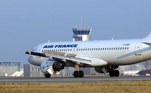 Un avion sur la piste de l'aéroport Nantes-Atlantique (illustration).