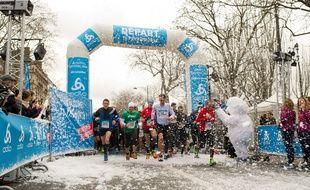 Illustration: Des coureurs lors de l'Odlo Crystal Run le 14 février 2016 à Paris.