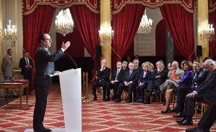 François Hollande le 9 décembre 2015 à l'Elysée lors d'un discours sur la Cop 21.   AFP PHOTO / POOL / STEPHANE DE SAKUTIN