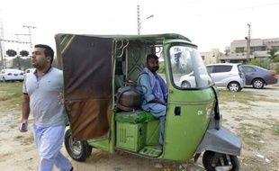 Shahmir Khan, président de Travely, qui développe l'application de type Uber pour rickshaw, le 16 octobre à Lahore, dans l'est du Pakistan