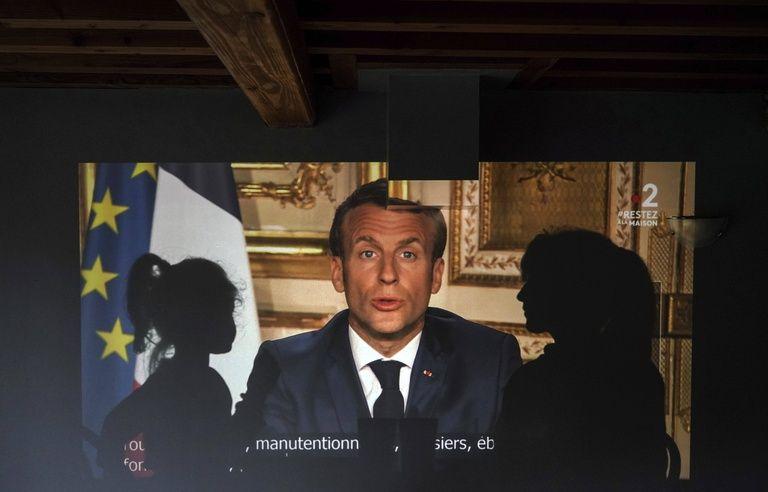 Coronavirus Moins Martial Plus Humble Et Plus Social Macron Change De Style Pour Sortir De La Crise
