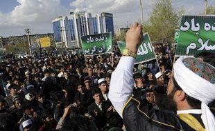 festation le 1er avril 2011 à Kaboul d'Afghans contre l'autodafé d'un exemplaire du Coran par un pasteur en Floride.
