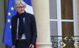 """Le numéro un de FO, Jean-Claude Mailly, a estimé dimanche que François Hollande était """"le président des entreprises"""" et qu'il souffrait """"un peu"""" du """"syndrome de Stockholm"""" vis-à-vis du patronat."""