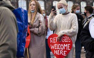 Des Danois manifestent contre les restrictions de la politique migratoire du Danemark et les arrêtés d'expulsion à Copenhague, le mercredi 21 avril 2021.